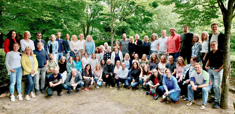 <center><b>Das Kollegium der JGRH</b></center>